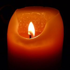 webcropped-candle-197248_1920